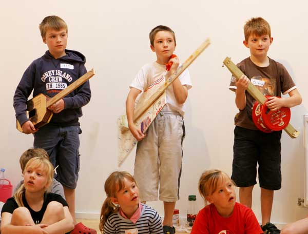 LYME REGIS CHILDREN'S WEEK: B Sharp Music ​Making & The Story Boat | Friday 6 April