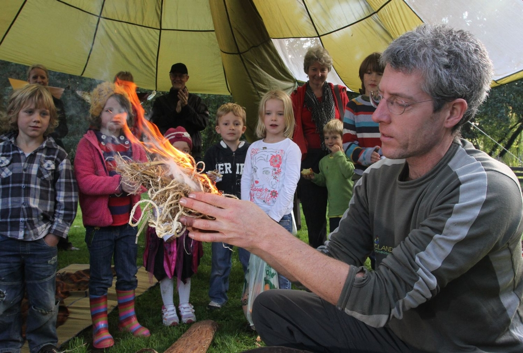 LYME REGIS CHILDREN'S WEEK: Wild Food and Wild Art Wander | Thursday 5 April